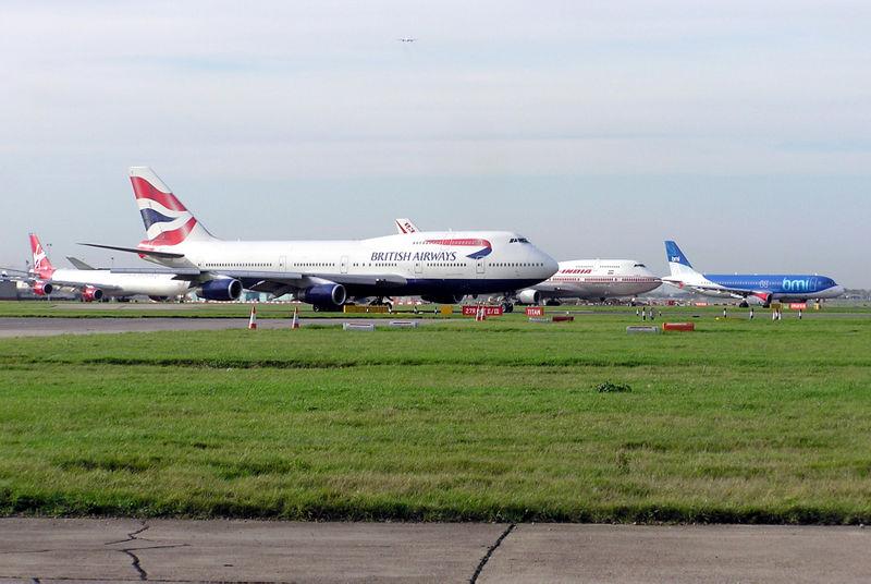 Heathrow planes